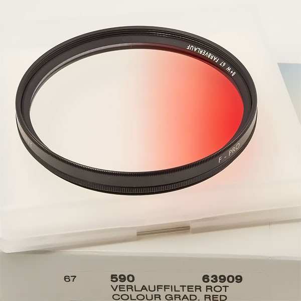 B+W Farbverlauffilter 590 Rot Ø 67,0 mm