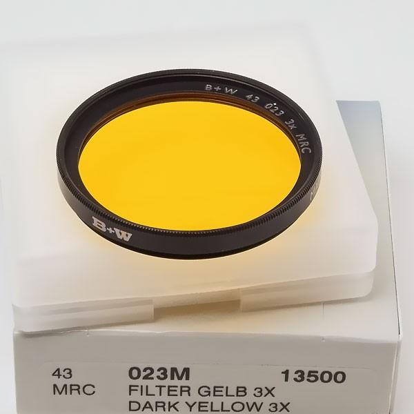B+W Schwarzweißfilter 023 Gelb Dunkel MRC Ø 43,0 mm