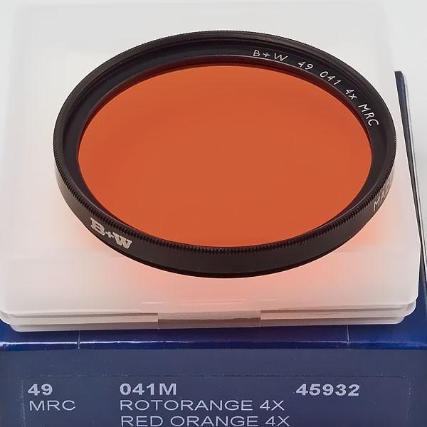 B+W Schwarzweißfilter 041 Rot-Orange MRC Ø 49,0 mm