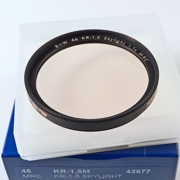 B+W KR-1,5 Skylight-Filter MRC Ø 46,0 mm F-Pro