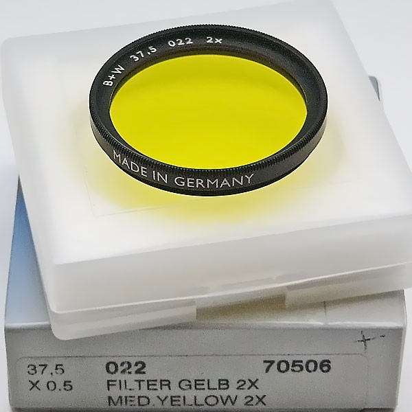 B+W Schwarzweißfilter 022 Gelb Mittel Ø 37,5 mm