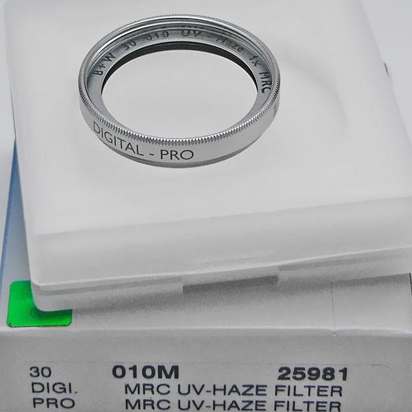B+W UV-Filter 010 MRC Ø 30,0 mm Digital-Pro (silberfarbene Fassung)