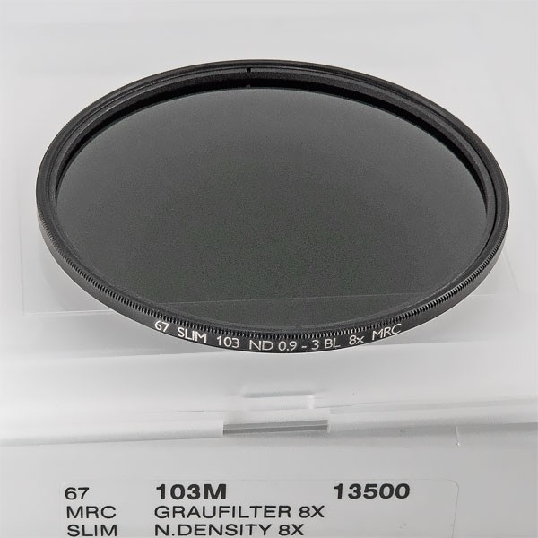 B+W Graufilter (ND) 103 MRC (Faktor 8, +3 Blenden, ND 0,9) Ø 67,0 mm SLIM