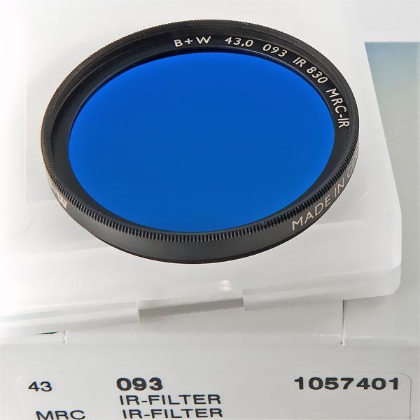 B+W Infrarotfilter 093 Schwarzrot 830 MRC-IR Ø 43,0 mm