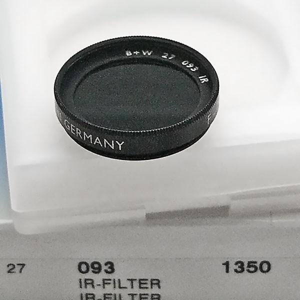 B+W Infrarotfilter 093 Schwarzrot 830 Ø 27,0 mm